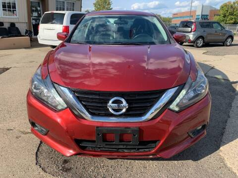 2017 Nissan Altima for sale at Minuteman Auto Sales in Saint Paul MN