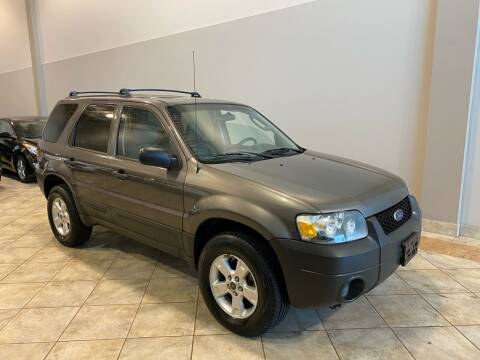 2006 Ford Escape for sale at Super Bee Auto in Chantilly VA