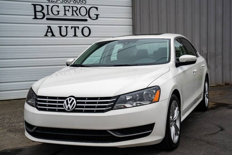 2014 Volkswagen Passat for sale at Big Frog Auto in Cleveland TN