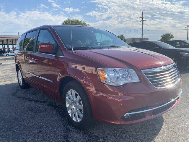 2016 Chrysler Town and Country for sale in Lees Summit, MO