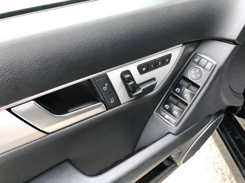 2014 Mercedes-Benz C-Class AWD C 300 Sport 4MATIC 4dr Sedan - East Barre VT