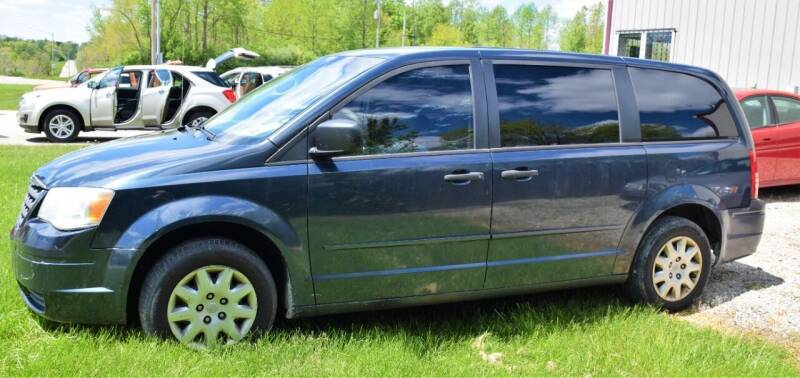 2008 Chrysler Town and Country for sale at PINNACLE ROAD AUTOMOTIVE LLC in Moraine OH