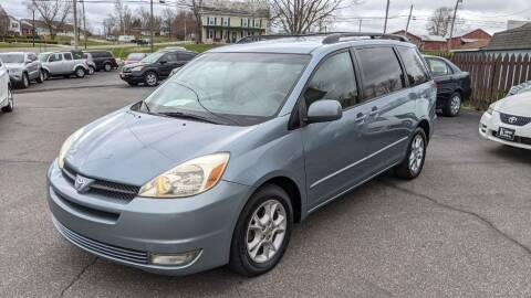 2005 Toyota Sienna for sale at Kidron Kars INC in Orrville OH