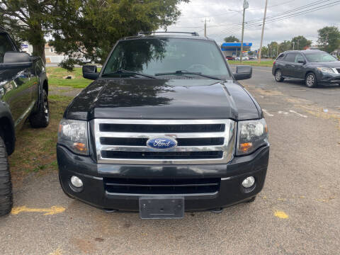 2013 Ford Expedition EL for sale at Whiting Motors in Plainville CT