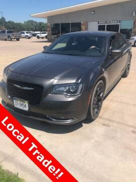 2019 Chrysler 300 for sale at Midway Auto Outlet in Kearney NE