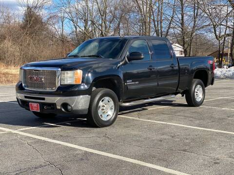 2007 GMC Sierra 2500HD for sale at Hillcrest Motors in Derry NH