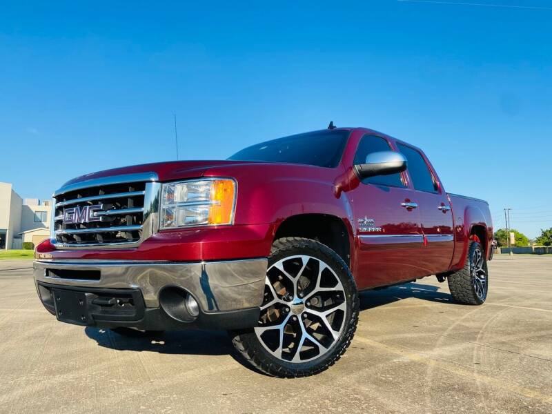 2013 GMC Sierra 1500 for sale at AUTO DIRECT Bellaire in Houston TX