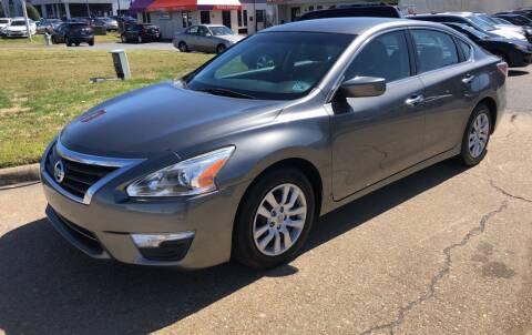 2015 Nissan Altima for sale at VENTURE MOTOR SPORTS in Virginia Beach VA
