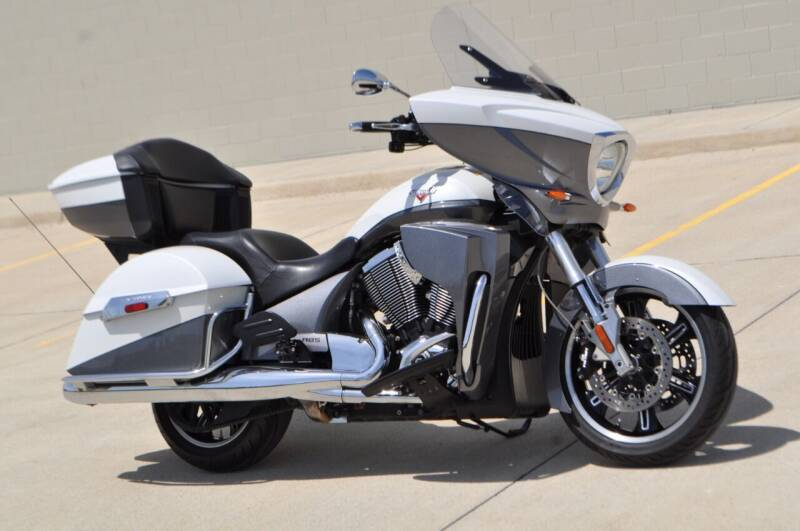2015 Victory Cross Country for sale at Select Motor Group in Macomb Township MI