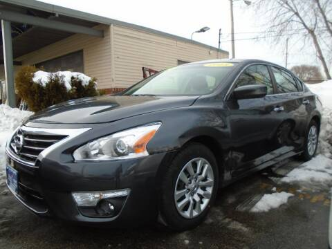2013 Nissan Altima for sale at DISCOVER AUTO SALES in Racine WI