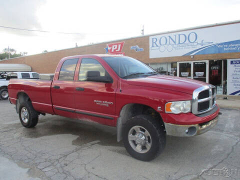 2005 Dodge Ram Pickup 2500 for sale at Rondo Truck & Trailer in Sycamore IL