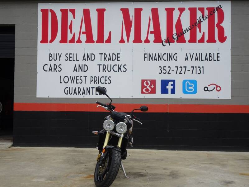 2009 Triumph STREET TRIPLE for sale at Deal Maker of Gainesville in Gainesville FL