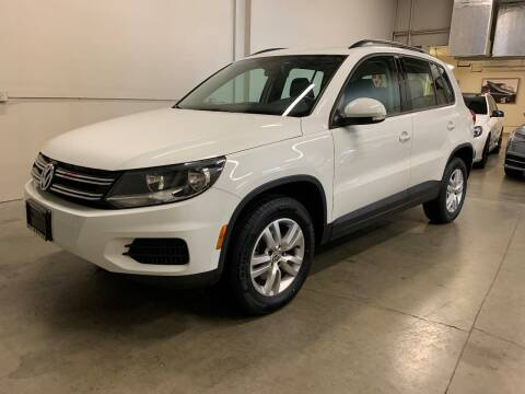 2017 Volkswagen Tiguan for sale at TOWNE AND COUNTRY MOTORS in Woodinville WA
