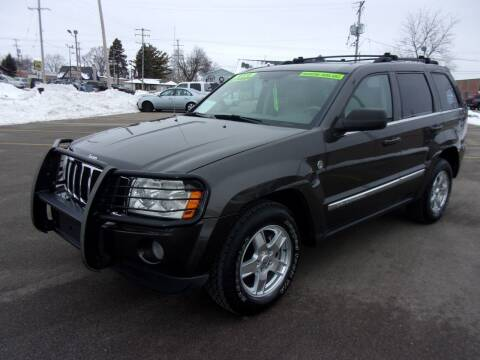 2005 Jeep Grand Cherokee for sale at Ideal Auto Sales, Inc. in Waukesha WI