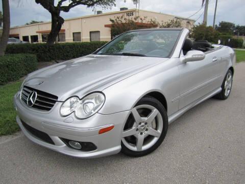 2005 Mercedes-Benz CLK for sale at FLORIDACARSTOGO in West Palm Beach FL