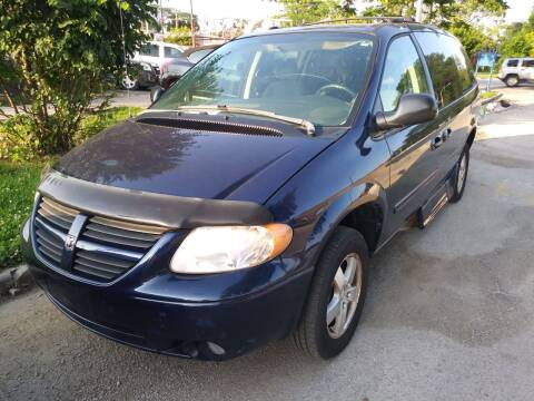 2005 Dodge Grand Caravan for sale at WEST END AUTO INC in Chicago IL