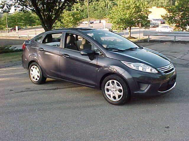 2013 Ford Fiesta SE 4dr Sedan - Pittsburgh PA