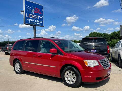 2009 Chrysler Town and Country for sale at Liberty Auto Sales in Merrill IA
