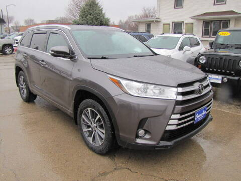2017 Toyota Highlander for sale at Choice Auto in Carroll IA