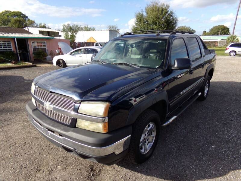 2005 Chevrolet Avalanche for sale at M & M AUTO BROKERS INC in Okeechobee FL