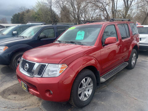2010 Nissan Pathfinder for sale at PAPERLAND MOTORS - Fresh Inventory in Green Bay WI
