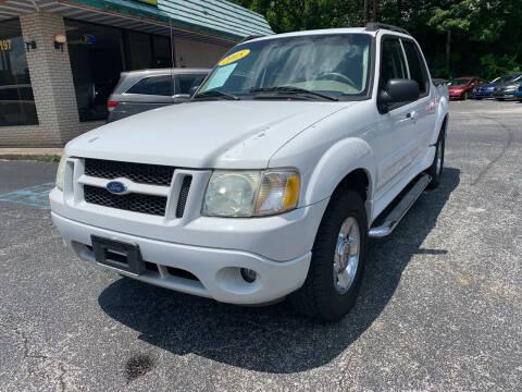 2005 Ford Explorer Sport Trac for sale at Diana Rico LLC in Dalton GA