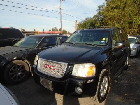 2005 GMC Envoy for sale at SCOTT HARRISON MOTOR CO in Houston TX