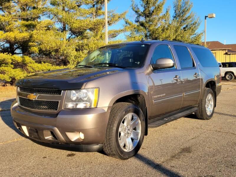 2013 Chevrolet Suburban for sale at Finish Line Auto Sales Inc. in Lapeer MI