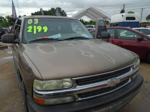 2003 Chevrolet Suburban for sale at SCOTT HARRISON MOTOR CO in Houston TX