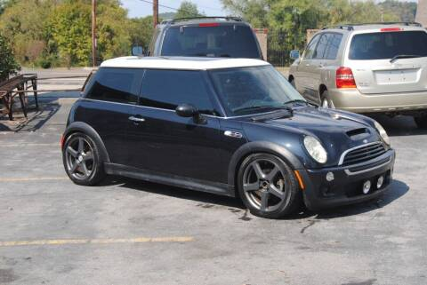 2006 MINI Cooper for sale at HODGE MOTORS in Bristol TN