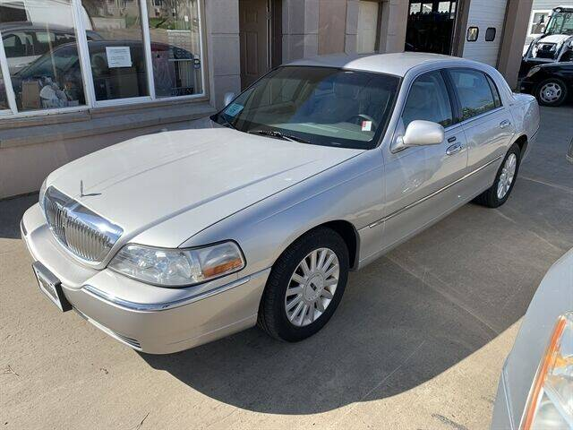 2005 Lincoln Town Car for sale at Daryl's Auto Service in Chamberlain SD