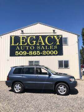 2004 Toyota Highlander for sale at Legacy Auto Sales in Toppenish WA