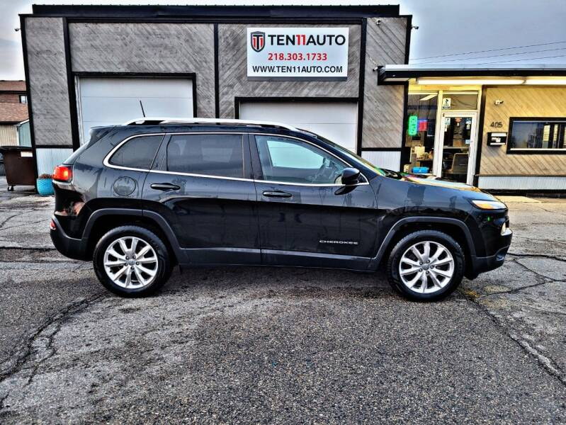 2016 Jeep Cherokee for sale at Ten 11 Auto LLC in Dilworth MN