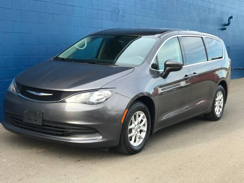 2017 Chrysler Pacifica for sale at Omega Motors in Waterford MI