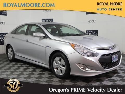 2011 Hyundai Sonata Hybrid for sale at Royal Moore Custom Finance in Hillsboro OR
