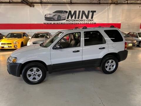 2005 Ford Escape for sale at MINT MOTORWORKS in Addison IL
