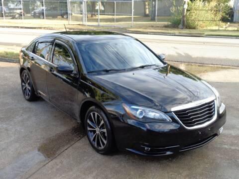 2013 Chrysler 200 for sale at Auto Starlight in Dallas TX