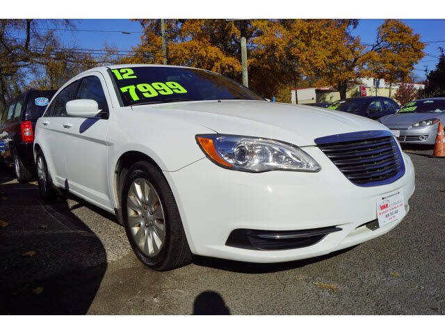 2012 Chrysler 200 for sale at M & R Auto Sales INC. in North Plainfield NJ