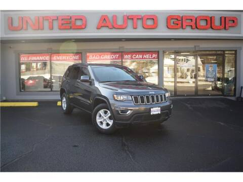 2017 Jeep Grand Cherokee for sale at United Auto Group in Putnam CT