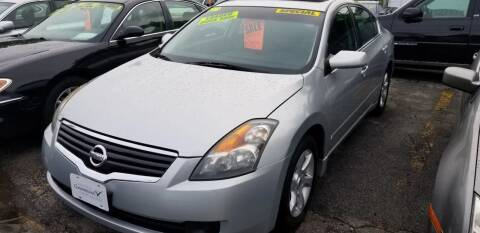 2007 Nissan Altima for sale at Howe's Auto Sales in Lowell MA