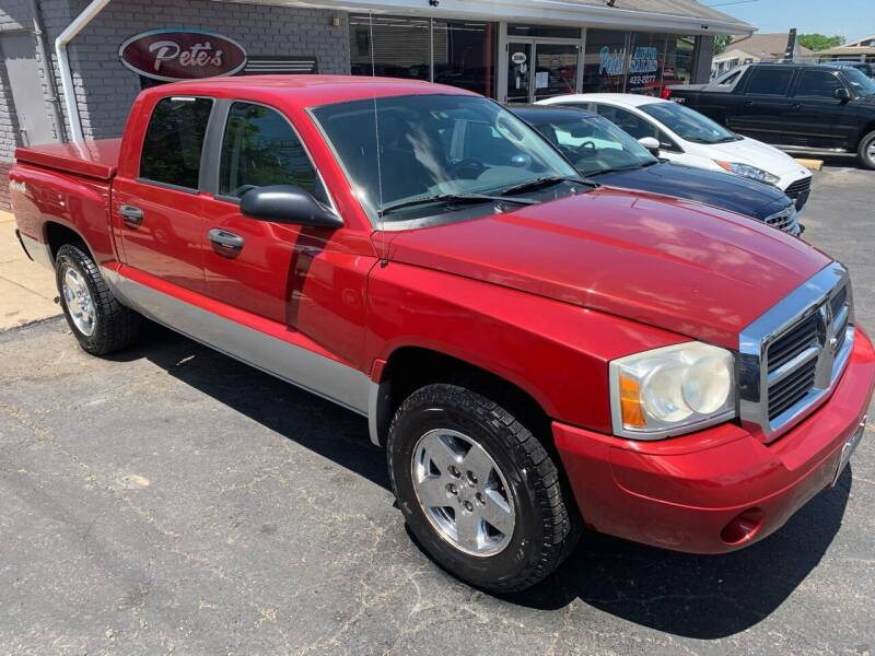 2006 Dodge Dakota for sale at PETE'S AUTO SALES - Middletown in Middletown OH
