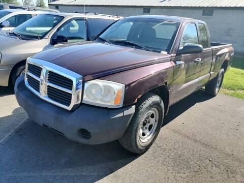 2005 Dodge Dakota for sale at KRIS RADIO QUALITY KARS INC in Mansfield OH