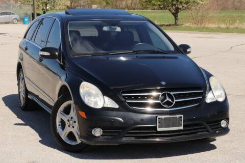 2009 Mercedes-Benz R-Class for sale at Big O Auto LLC in Omaha NE
