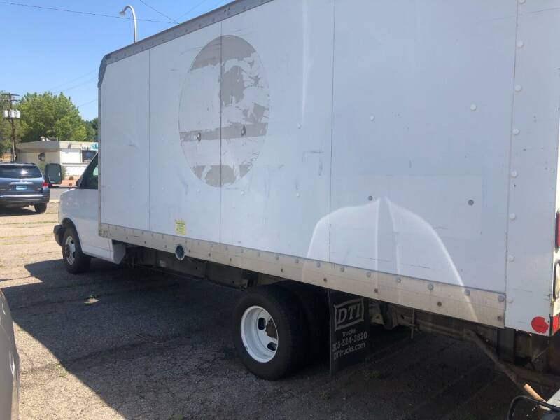 2005 GMC Savana Cutaway 3500 2dr Commercial/Cutaway/Chassis 139-177 in. WB - Lakewood CO