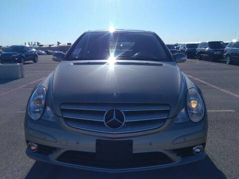 2008 Mercedes-Benz R-Class for sale at NORTH CHICAGO MOTORS INC in North Chicago IL
