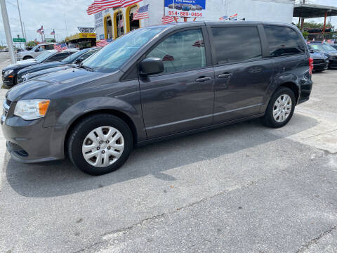 2018 Dodge Grand Caravan for sale at INTERNATIONAL AUTO BROKERS INC in Hollywood FL