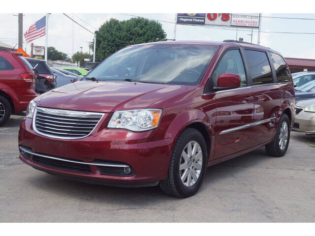 2016 Chrysler Town and Country for sale at Credit Connection Sales in Fort Worth TX
