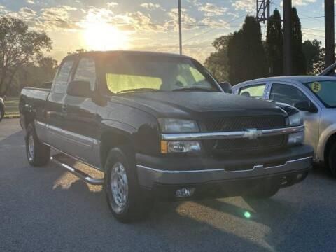 2004 Chevrolet Silverado 1500 for sale at Betten Baker Preowned Center in Twin Lake MI