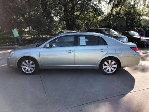 2006 Toyota Avalon for sale at 6th Street Auto Sales in Marshalltown IA