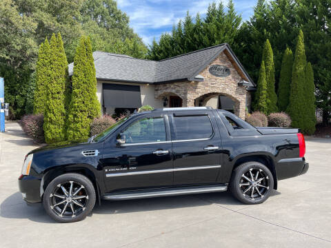 2007 Cadillac Escalade EXT for sale at Hoyle Auto Sales in Taylorsville NC